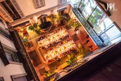 milan_courtyard_dinner_table
