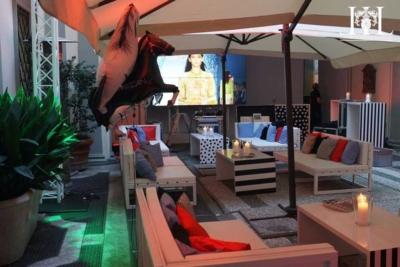 milan_courtyard_set_up