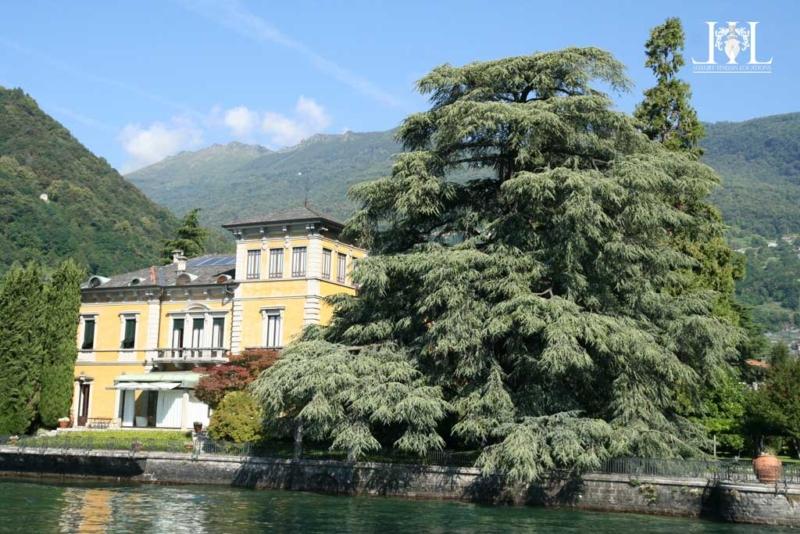villa_rubini_redaelli_from_lake