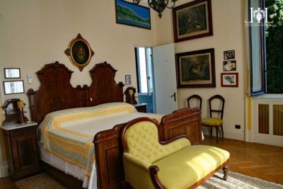 villa_rubini_redaelli_room_in_yellow